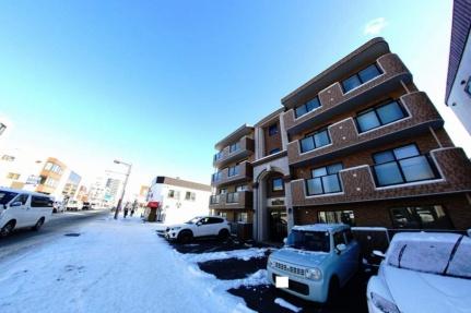 北海道札幌市西区八軒五条東1丁目の賃貸マンションの外観