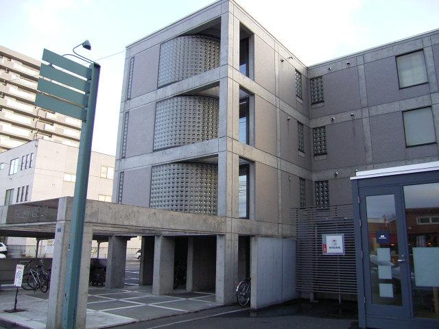 北海道札幌市中央区北四条西21丁目