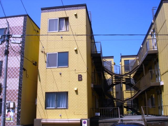 北海道札幌市白石区栄通15丁目