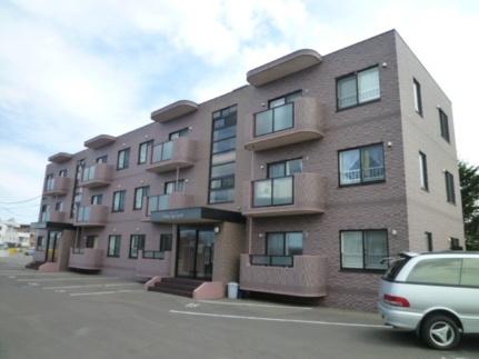 北海道札幌市北区篠路九条6丁目の賃貸マンションの外観