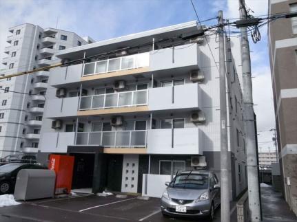 北海道札幌市豊平区月寒東一条14丁目の賃貸マンションの外観