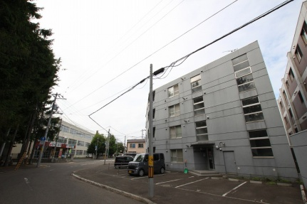 北海道札幌市豊平区美園十一条4丁目の賃貸マンションの外観