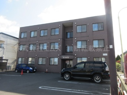 北海道北広島市新富町西1丁目の賃貸マンションの外観