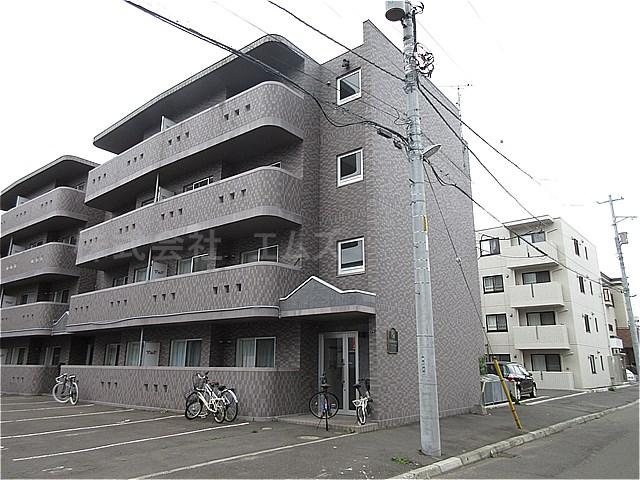 北海道札幌市白石区菊水三条1丁目
