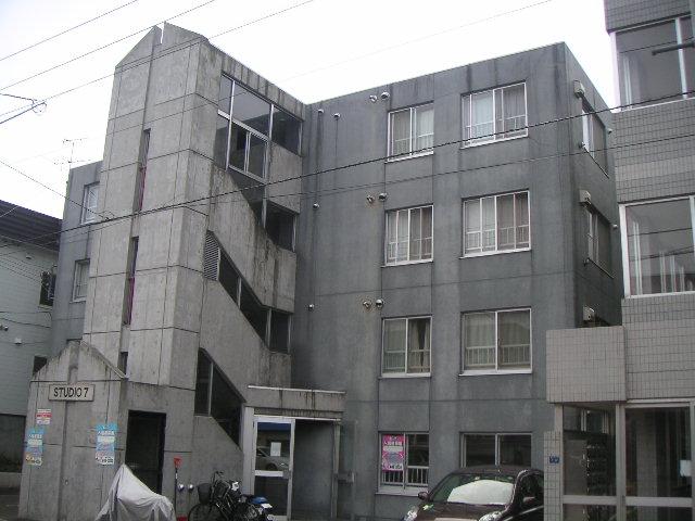 北海道札幌市白石区栄通7丁目