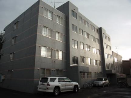 ローヤルハイツ菊水元町[202号室]の外観