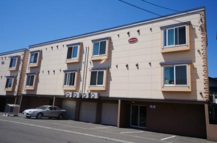 北海道札幌市手稲区曙三条3丁目の賃貸アパートの外観