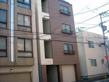 北海道札幌市豊平区平岸三条13丁目の賃貸マンションの外観