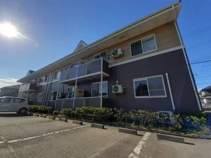 宮城県岩沼市三色吉字亀の賃貸アパートの外観
