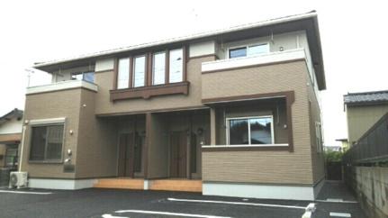 茨城県ひたちなか市相金町の賃貸アパートの外観