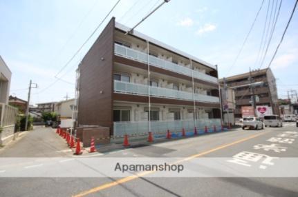 埼玉県坂戸市緑町の賃貸マンションの外観