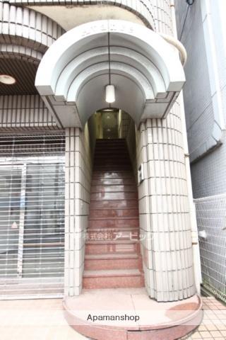 千葉県市川市市川4丁目の賃貸マンションの外観