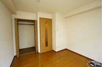 リヴィエール三宿 2階の居間