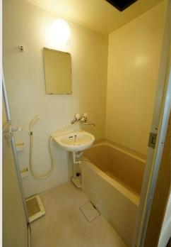 リヴィエール三宿 2階の風呂