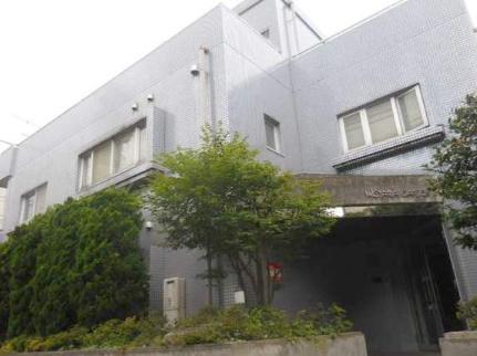 ウィスタリア・ガーデン 2階の外観