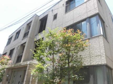 グランドミール 1階の外観