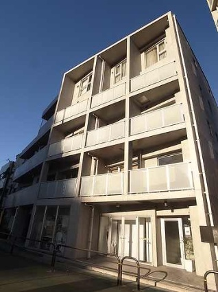 東京都新宿区富久町