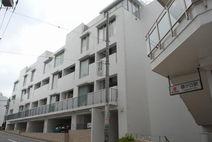 F・BLANC[5階]の外観