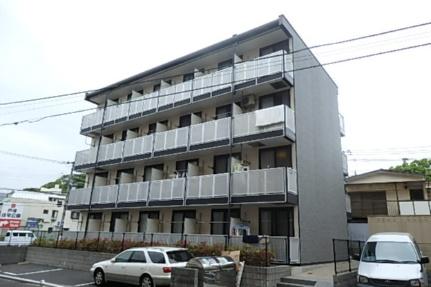 レオパレス伊勢吉[3階]の外観