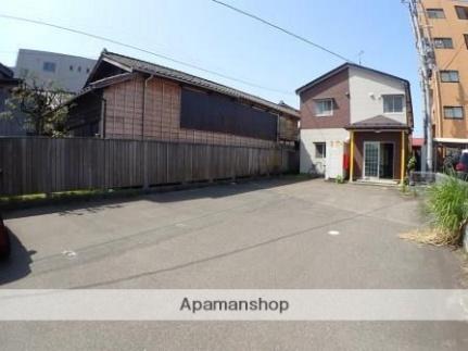新潟県新潟市中央区沼垂西3丁目の賃貸アパートの外観