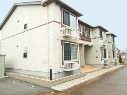 新潟県阿賀野市金田町の賃貸アパートの外観