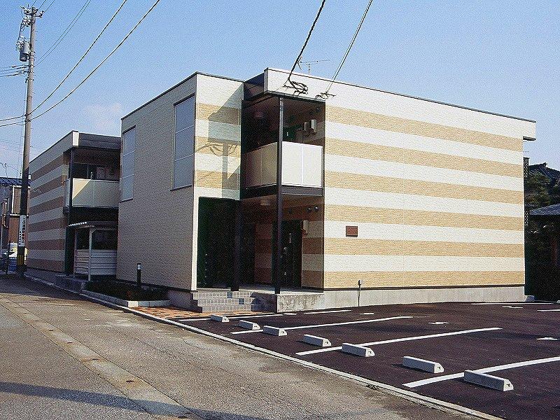 富山県魚津市諏訪町