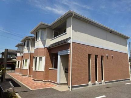 山梨県南アルプス市十日市場の賃貸アパートの外観