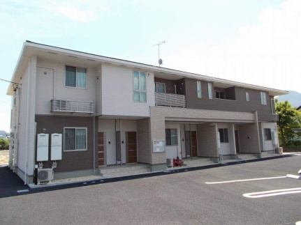 長野県千曲市大字内川の賃貸アパートの外観