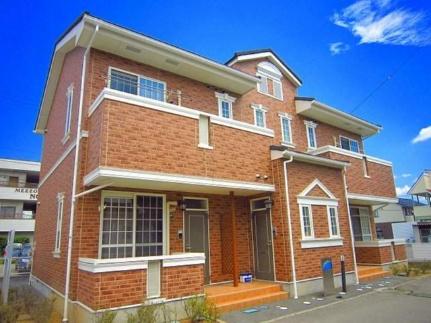 長野県佐久市取出町の賃貸アパートの外観