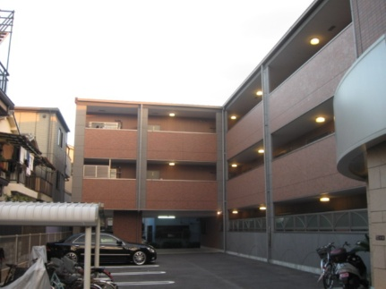 グランソレイユ 1階の外観