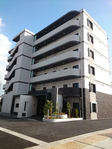 岡山県岡山市北区東古松の賃貸マンションの外観