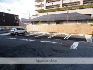 松保町・西本駐車場