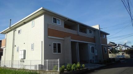 香川県丸亀市川西町南の賃貸アパートの外観