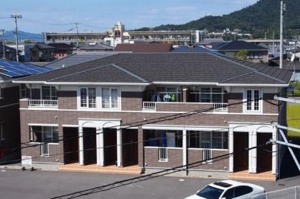 香川県丸亀市飯野町東分の賃貸アパートの外観