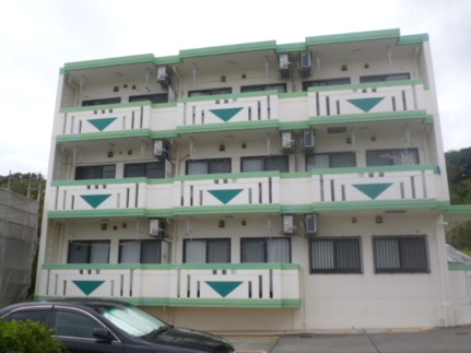 沖縄県浦添市西原2丁目の賃貸マンションの外観