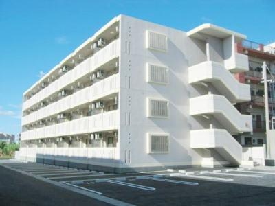 沖縄県糸満市字潮平の賃貸マンションの外観