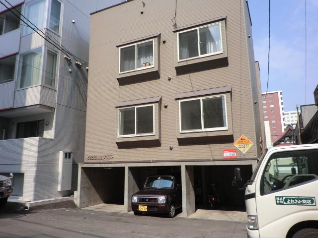 北海道札幌市中央区、バスセンター前駅徒歩4分の築20年 3階建の賃貸アパート
