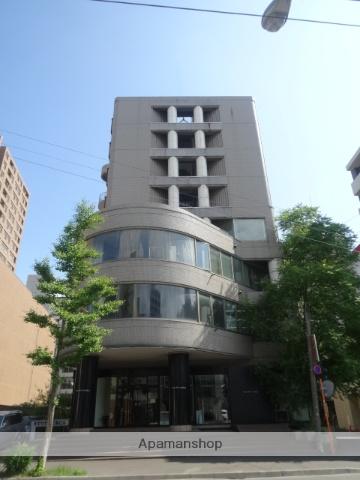 北海道札幌市中央区、西8丁目駅徒歩7分の築28年 8階建の賃貸マンション