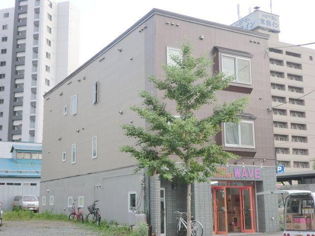 北海道札幌市中央区、バスセンター前駅徒歩10分の築22年 3階建の賃貸アパート