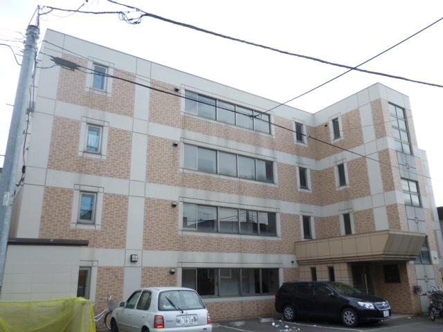 北海道札幌市中央区、桑園駅徒歩12分の築18年 4階建の賃貸マンション