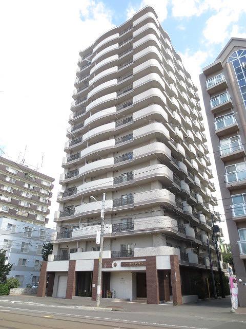 北海道札幌市中央区、中島公園駅徒歩7分の築8年 17階建の賃貸マンション