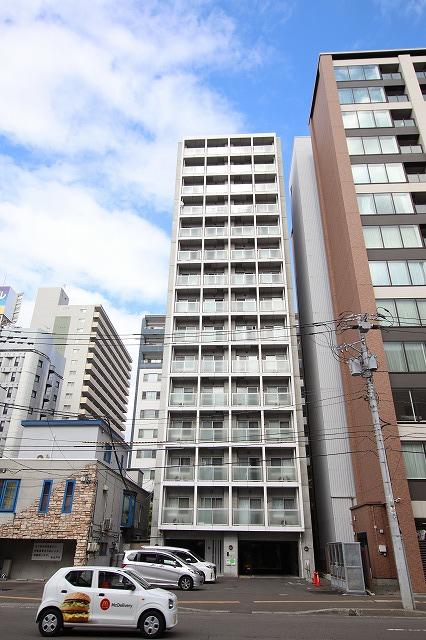 北海道札幌市中央区、すすきの駅徒歩7分の築10年 15階建の賃貸マンション