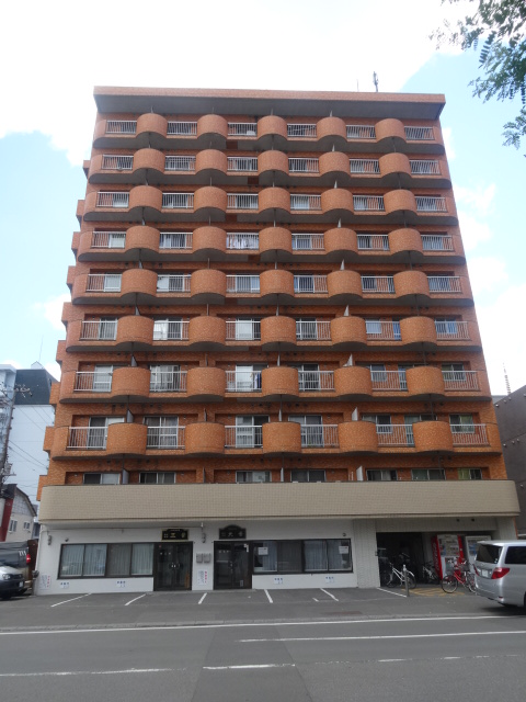 北海道札幌市中央区、バスセンター前駅徒歩6分の築28年 10階建の賃貸マンション