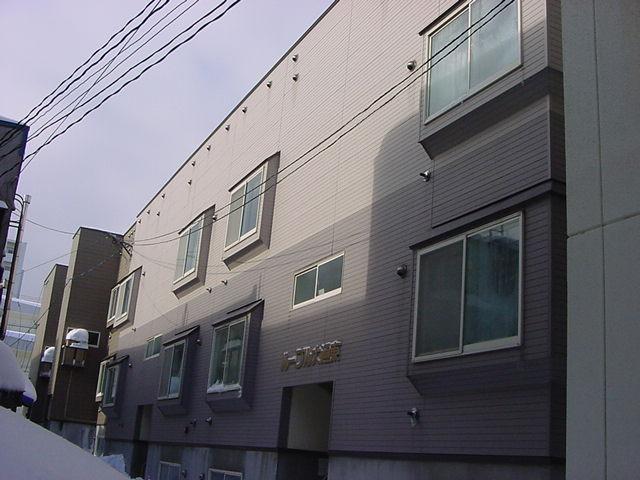 北海道札幌市中央区、バスセンター前駅徒歩3分の築21年 3階建の賃貸アパート