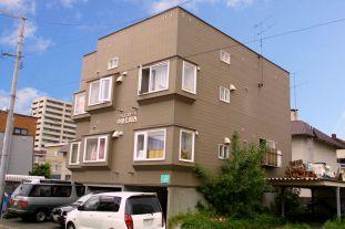 北海道札幌市中央区、幌平橋駅徒歩7分の築22年 3階建の賃貸アパート