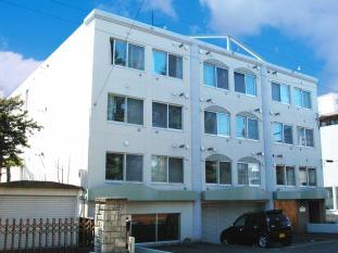 北海道札幌市中央区、幌平橋駅徒歩19分の築27年 4階建の賃貸マンション