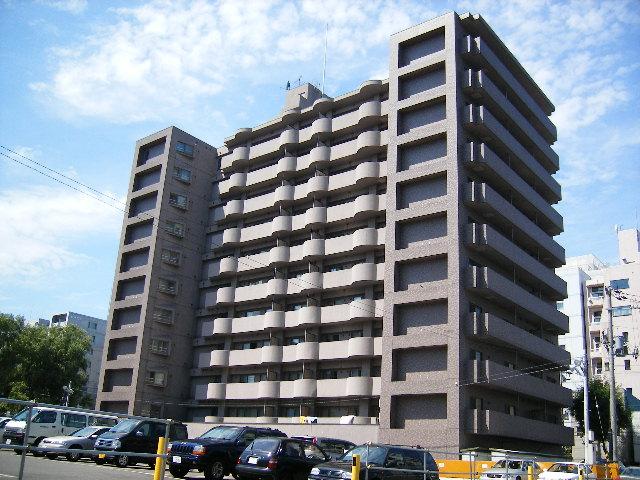 北海道札幌市中央区、すすきの駅徒歩7分の築26年 11階建の賃貸マンション
