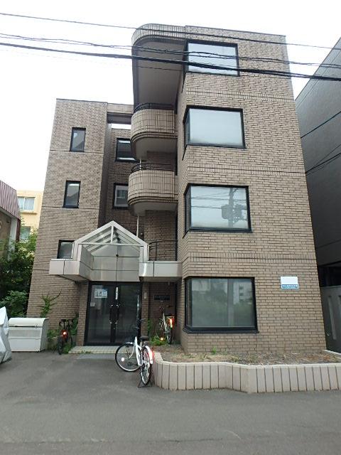 北海道札幌市中央区、西18丁目駅徒歩7分の築28年 4階建の賃貸マンション