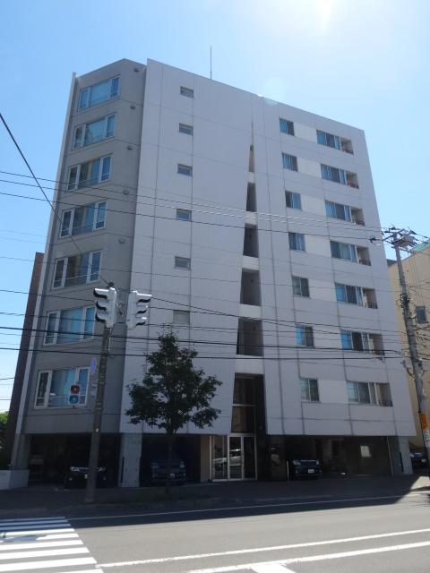 北海道札幌市中央区、バスセンター前駅徒歩3分の築13年 8階建の賃貸マンション