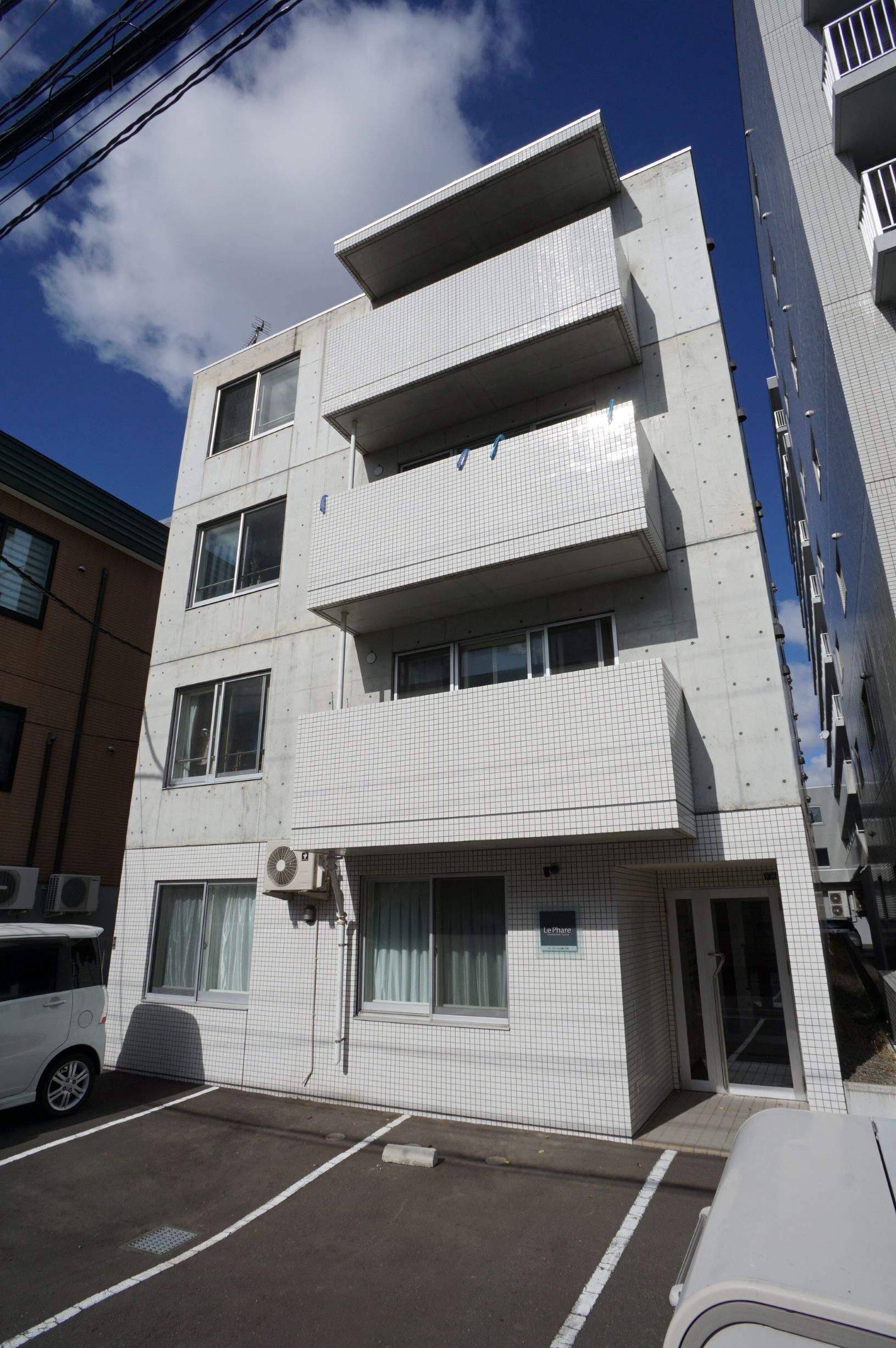 北海道札幌市中央区、幌平橋駅徒歩10分の築3年 4階建の賃貸マンション